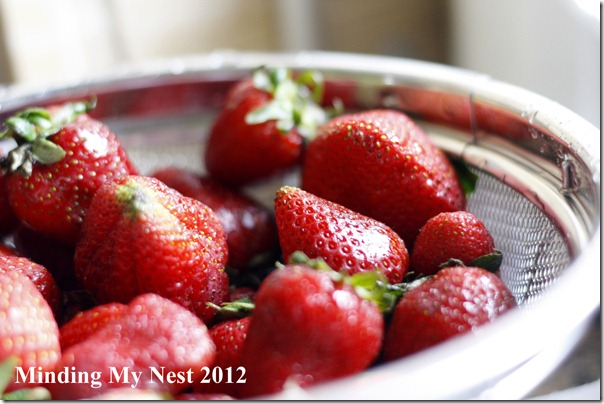 strawberry cupcakes made with fresh strawberries